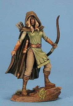 Dark Sword Miniatures (DSM4112 Female Ranger) 28mm