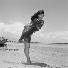 348172 Bettie Page by Bunny Yeager