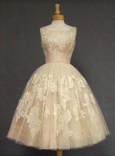 Retro cream tulle gown.