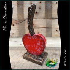 Fruta decorativa cereza de 15 cm de ancho, acabado texturizado brillante.  1/5. Otra creación @chucho-art recuerda darle like, comentar y compartir todo lo que te guste!! #cherry #fruits #frutas #cereza #art #arte #red #colors