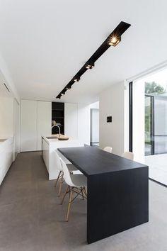 luxe-kookeiland-met-tafel