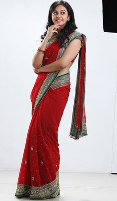Actress Rakul Preet Singh in Saree #RakulPreetSingh #Kollywood #FoundPix