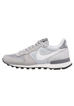 Kreiere den ultimativen Casual-Look! Nike Sportswear INTERNATIONALIST - Sneaker low - wolf grey/summit white/pure platinum/cool grey für 71,95 € (19.02.17) versandkostenfrei bei Zalando bestellen.