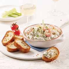 Trempette aux crevettes nordiques et fines herbes - 5 ingredients 15 minutes Mousse, Mayonnaise, Guacamole, Hummus, Camembert Cheese, Tapas, Good Food, Dairy, Appetizers