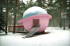 A house shaped like Saturn? Er, yes please... Discover more here: http://www.anothermag.com/design-living/7482/a-planet-house