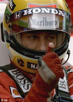 Senna. He visto algún vídeo donde su madre hablaba del desgaste de sus guantes....