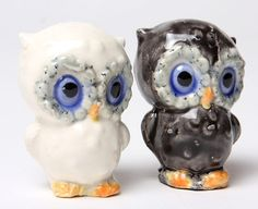 salt and pepper owls ...these would be great in my S & P collection, if I start one! :)