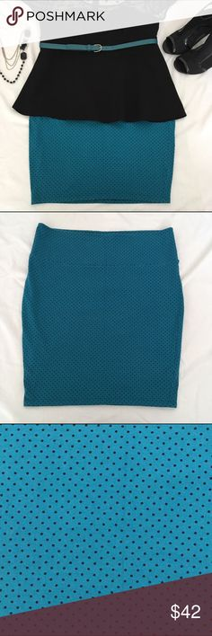 Just in NWOT Turquoise & Black Pencil Skirt NWOT Turquoise & Black Polka Dot High Waisted Pencil Skirt. Super stretchy and flattering. 95% cotton, 5% spandex. Torrid Plus Size 2. Measurements available upon request. No holds No lowball offers No Trades ✅Please submit reasonable offers via the offer button OR Bundle & save! torrid Skirts Pencil