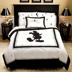 adult Disney room I know...such a dork hehe but i LOVE! :) except it should be Minnie