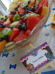 Paw Patrol fruit kibble Paw Patrol Cake, Paw Patrol Party, Paw Patrol Birthday, 4th Birthday Parties, Baby Birthday, Birthday Ideas, Puppy Birthday, Puppy Party, First Birthdays