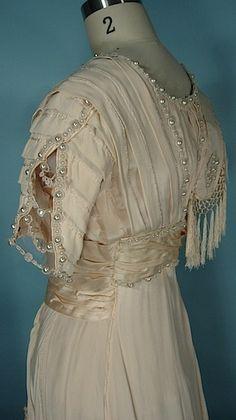 Antique Dress - Item for Sale on antiquedress.com.  Love the sleeve treatment.