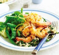 Lemon prawns with spinach rice   Healthy Food Guide