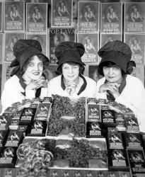 """Sun-Maids"" - April 15, 1921 - Fresno, CA - home of Sun-Maid Raisins"