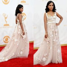 Kerry Washington at the 2013 Emmys (love her gown)