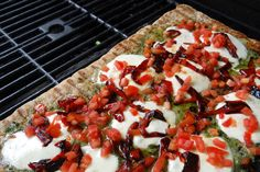 Roasted Red Pepper Pesto Grilled Pizza #Recipe