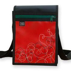 """Bolso Bandolera Araura realizado a mano y en materiales reciclados """"Hilos"""" / Araura recycled and handmade bag bandolera """"Hilos"""" (Pieza única / Unique piece) -- Precio/Price: 45,00 €"""