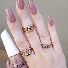 Gel Nail Designs You Should Try Out – Your Beautiful Nails Classy Nails, Trendy Nails, Perfect Nails, Gorgeous Nails, Pretty Nail Colors, Nail Jewelry, Diy Manicure, Gel Nail Designs, Toe Nails