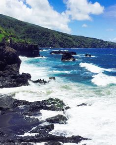 Missing Maui... #maui #hawaii #roadtohana #hawaiistagram #instahawaii #glimpseofhawaii #hawaiiscape #hilife #islandlife #paradise #nokaoi #travelpics #travelgram #instatravel #igtravel #iphoenography #traveltheworld #seetheworld #seeeverything #letsgoeverywhere #lonelyplanet #livetravelchannel #adventure #destination #dream #explore #relax #travel #wanderlust