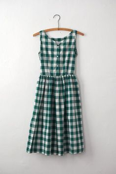 Green Buffalo Check Junior's Sundress #1940s #1950s This dress makes me wish I had a 24 inch waist. So cute!