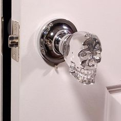Krystal Touch Skull Doorknob | Greatest Stuff On Earth Skull Decor, Skull Art, Skull Head, Goth Home, Knobs And Knockers, Decoration Inspiration, Gothic Home Decor, Gothic House, Gothic Room