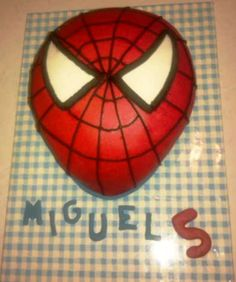 Tarta Spiderman decorada con fondant / Spiderman cake
