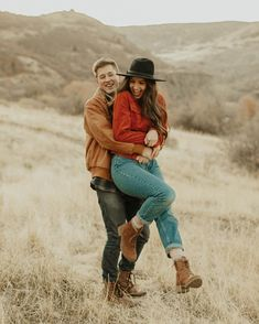 Likes, 41 Comments - Lauren Woods Couple Photoshoot Poses, Couple Photography Poses, Couple Posing, Engagement Photography, Engagement Session, Engagement Photo Outfits, Engagement Pictures, Couple Outfits, Nail Art