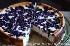 New Yorkin mustikkajuustokakku Cheesecakes, Food Photo, Food Inspiration, Sweet Recipes, Vegetarian Recipes, Sweet Treats, Food And Drink, Yummy Food, Favorite Recipes