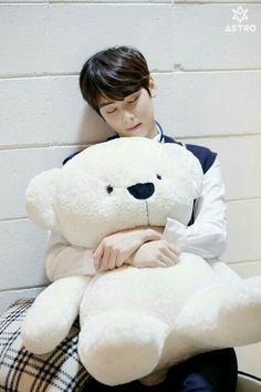 I want to be his doll:((