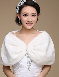 Cheap bridal jacket, Buy Quality wedding wraps shawls directly from China wedding bolero Suppliers: New Arrival Free size Wedding Bolero Fur Bolero Women Wedding Wrap Shawl Bridal Jacket White/Red Bolero Fur Faux Shrug Fur Wrap Wedding, Wedding Shawl, Wedding Wraps, Wedding Ideas, Winter Wedding Cape, Winter Cape, Winter Bride, White Bridal, Elegant Woman