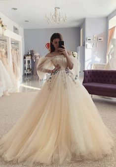 May 2020 - Champagne tulle long prom dress evening dress Dresses Elegant, Pretty Prom Dresses, Tulle Prom Dress, Long Wedding Dresses, Beautiful Dresses, Long Evening Dresses, Garden Wedding Dresses, Ball Gown Prom Dresses, Grad Dresses Short