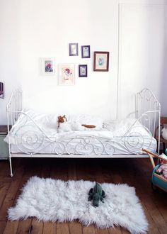 daybed turned around instead of guard rails