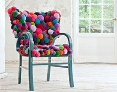 Pom Pom Chair DIY Decor for Teenage Girl's Room All you need is a lot of pom-poms to create this whimsical chair. Perk-up your old chair by spray painting the handles and legs, and by covering the seat and rest using the pom-pom. Funky Furniture, Unique Furniture, Furniture Design, Chair Design, Handmade Furniture, Furniture Projects, Contemporary Furniture, Contemporary Design, Diy Hacks