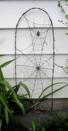 Spider In A Tattered Web Barbed Wire Garden Trellis Made to Order art from junk unique Spider In A Tattered Web Barbed Wire Garden Trellis Made to Order Wire Trellis, Garden Trellis, Halloween Crafts, Halloween Decorations, Wire Spider, Wire Art Sculpture, Sculpture Garden, Metal Sculptures, Barbed Wire Art