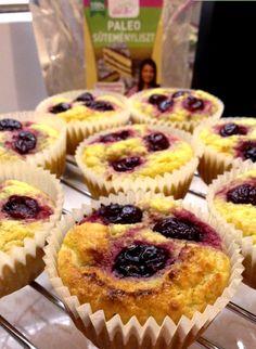 """Ti Küldtétek Recept (A recept beküldője: Farkas Szabina) 2 összetevős light paleo muffin        Light paleo muffin       A BLOGOMON TALÁLHATÓLEGEGYSZERŰBB ÉS LEGFINOMABB PALEO MUFFIN????   """"Kipróbáltam piskótának a paleo süteménylisztet, kis muffin formákban, az eredmé"""