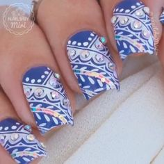 Uñas azules con accesorios - Blue nail art with accesories Bling Bling, Gel Nails, Acrylic Nails, Diamond Nail Art, Paws And Claws, Stamping Plates, Natural Nails, Nail Care, Projects To Try