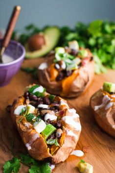 Black Bean Stuffed Sweet Potatoes 28 Meatless, Dairy-Free Recipes For Every Night In February Dairy Free Recipes, Vegetarian Recipes, Cooking Recipes, Gluten Free, Veggie Recipes, Sweet Potato Recipes Healthy, Healthy Recipes, Healthy Options, Alkaline Recipes