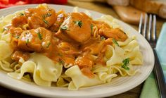 Traditional Hungarian Recipe: Chicken Paprikash It's always good to have a new stew recipe to enjoy! Today we're sharing a recipe straight out of Hungary: chicken paprikash. Unlike a gulyas, which is. The Chew Recipes, Dinner Recipes, Cooking Recipes, Hungarian Chicken Paprikash, Pasta Pizza, Food Dishes, Pasta Dishes, Main Dishes, Spaetzle Recipe