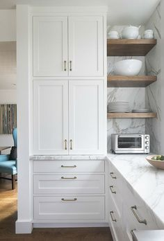 Kitchen Corner, Kitchen Pantry, New Kitchen, Kitchen Cabinets, Kitchen Modern, Kitchen Backsplash, Corner Cabinets, Minimal Kitchen, Functional Kitchen