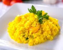Risotto ist das wohl bekannteste Reisgericht Italiens. Starköchin Cornelia Poletto bereitet heute den Klassiker - Risotto alla milanese - zu.