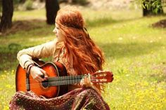 """""""Bohemian: Gypsy, Wanderer - A person, musician, artist or writer who lives a free-spirited life and believes in truth, freedom and love. Hippie Bohemian, Hippie Chic, Hippie Style, Boho Chic, Guitar Girl, Ginger Girls, Ginger Hair, Playing Guitar, Belle Photo"""