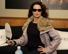 Solstice sunglasses in Sundance: Laura Prepon, Kate Bosworth