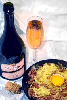 Шампанское брют розовое от «Фанагория» и паста карбонара