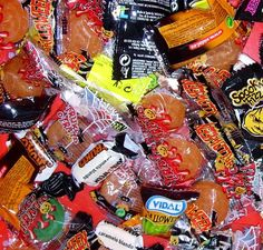 Cómo hacer una bolsa para los caramelos de Halloween.