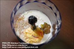 """양배추를 가장 맛있게 먹는 방법~땅콩 소스를 뿌린 """"양배추샐러드""""~ K Food, Yams, Korean Food, Salad Dressing, Oatmeal, Healthy Eating, Cooking Recipes, Pudding, Breakfast"""