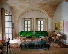 Room Decor Ideas Living Rooms by India Mahdavi. If you are looking for a stylish way to give a pop of color to a living room, use this project by India Mahdavi as inspiration! The green sofas are the great highlights of the space and make it more modern, elegant and trendy!