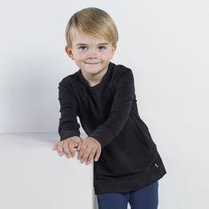 FRED taskupusero ph, musta | NOSH verkkokauppa | Tutustu nyt lasten syksyn 2017 mallistoon ja sen uuteen PUPU vaatteisiin. Ihastu myös tuttuihin printteihin uusissa lämpimissä sävyissä. Tilaa omat tuotteesi NOSH vaatekutsuilla, edustajalta tai verkosta >> nosh.fi (This collection is available only in Finland)