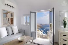 Outstanding views from your secluded retreat in Santorini! More at aquasuites.gr/
