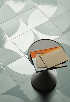 Wand- und Bodenbelag aus glasiertem Feinsteinzeug NUMI MOON - MUTINA