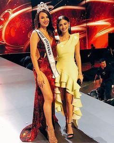 Coronation night Miss universe 2018 catriona gray and miss universe 2015 pia wurtzbach Fashion Idol, Grey Fashion, Look Fashion, Womens Fashion, Fashion Design, Miss Universe Dresses, Miss Universe 2015, Miss Universe Philippines, Miss Philippines