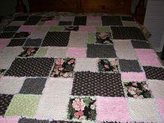 very pretty idea for rag quilt